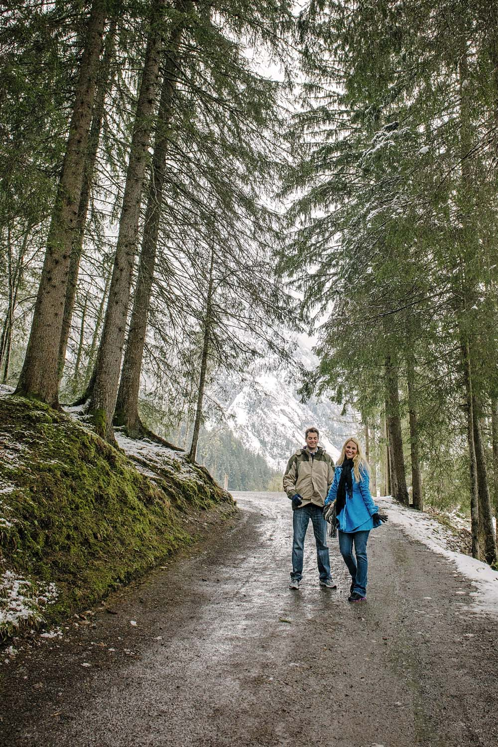 Couple photo shoot in Grindelwald 2