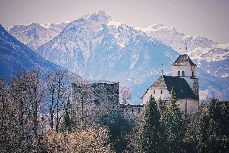 Ringgenberg Castle Switzerland