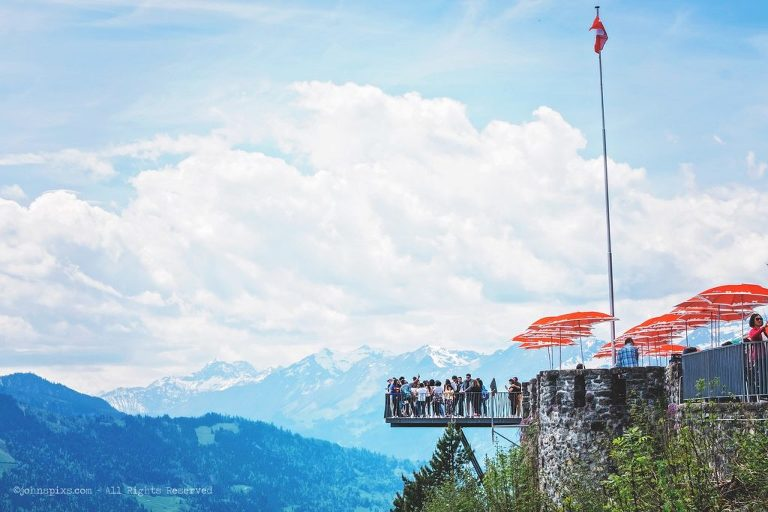 Harder Kulm is a spectacular location for a wedding