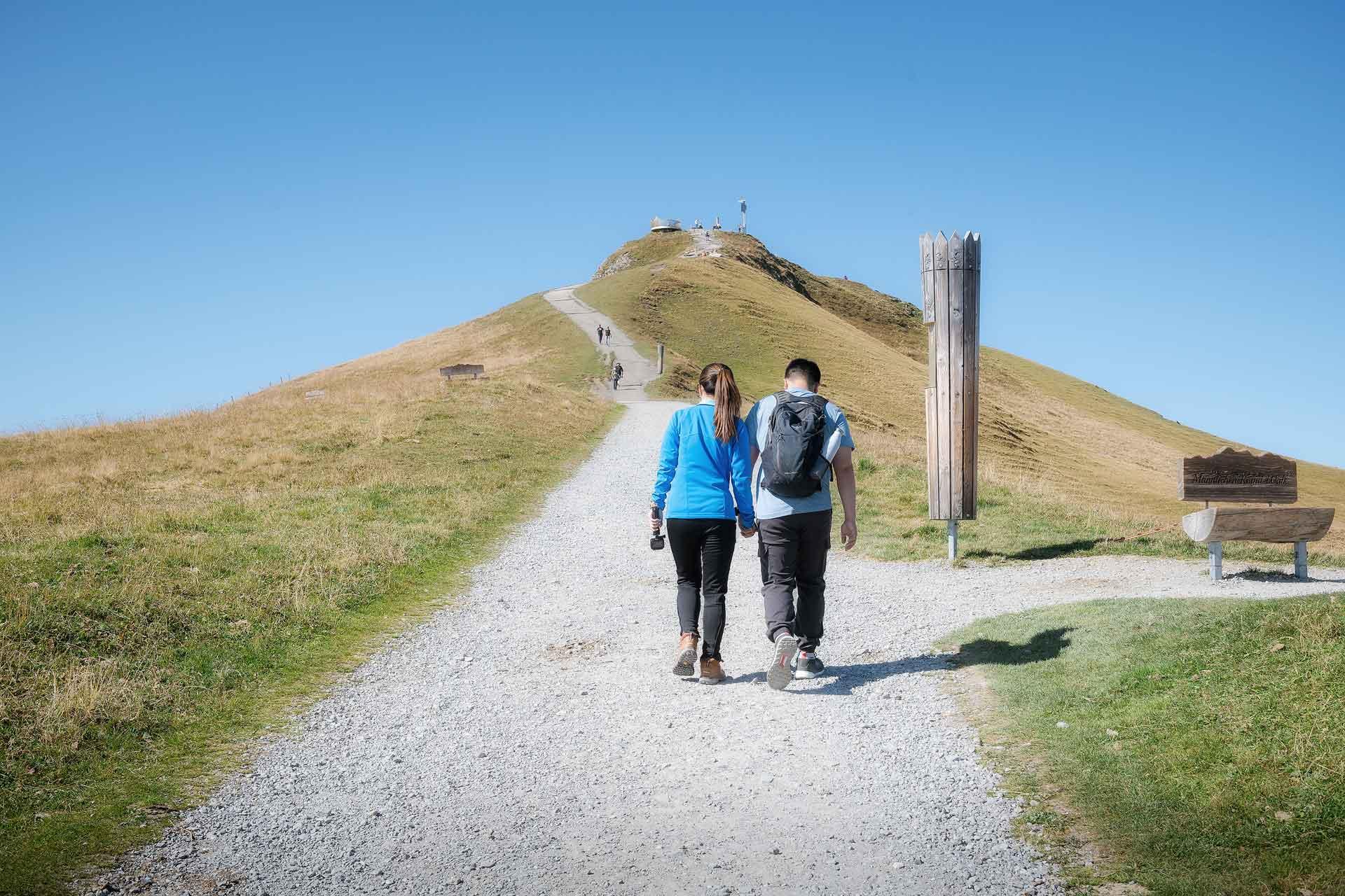 Surprise Engagement Männlichen Wengen Swiss Alps